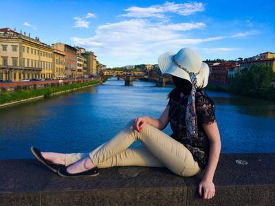 8 Hal Yang Perlu Diperhatikan Untuk Solo Traveler Wanita