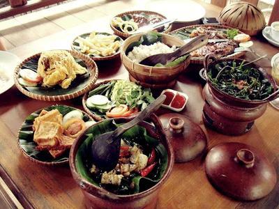 Destinasi Wisata Domestik Terbaik untuk Pecinta Kuliner! (Part 1)