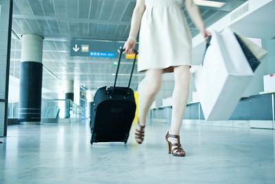 Tips Packing Saat Bepergian untuk Ibu Hamil. Apa Saja yang Harus Dibawa?