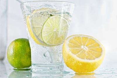 5 Manfaat Minum Lemon di Pagi Hari