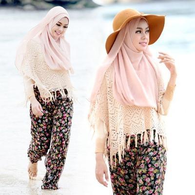 Tips Menggunakan Busana Hijab Untuk ke Pantai