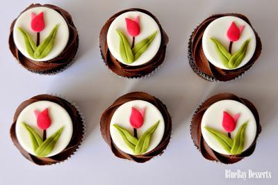 5 Kreasi Bunga dalam Bentuk Cupcakes