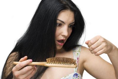 Atasi Rambut Rontok dengan Hair Tonic