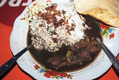4 Tempat Makan Rawon Terenak di Surabaya
