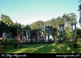 Taman-taman Cantik Kota Surabaya (Bagian 1)