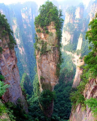 6. Pegunungan Tianzi, Tiongkok