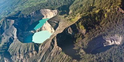 16. Danau Kelimutu, Flores, Indonesia