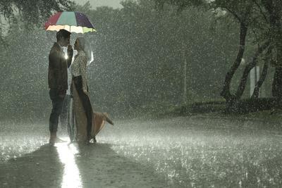 Hujan Romantis