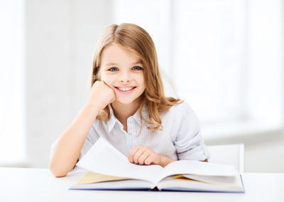 Cara Meningkatkan Minat Baca pada Anak Sejak Dini