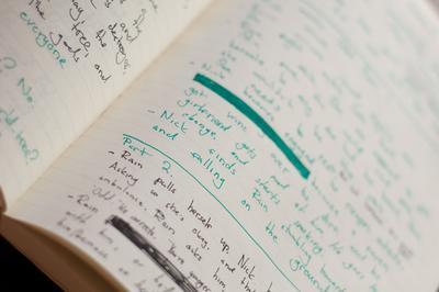 Gunakan Warna yang Berbeda Untuk Menulis Catatan