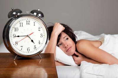 Biasakan Tidur dan Bangun di Waktu yang Sama