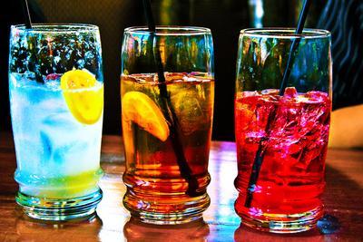 2. Ketahui cara benar minum air putih
