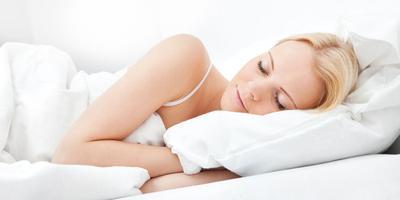 10 Makanan & Minuman yang Membantu Tidur Nyenyak