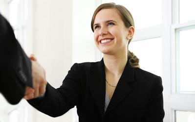 Hindari Kesalahan Merias Wajah Berikut Ini Saat Interview Kerja