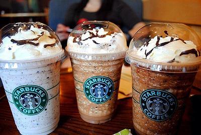 1. Ketahui jumlah kalori makanan dan minuman di Starbucks