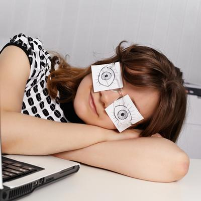 Kurang Tidur Semalam? Coba Ikuti Tips Berikut Untuk Cegah Rasa Kantuk Saat Beraktivitas
