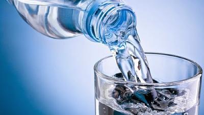 3. Selalu minum air biasa