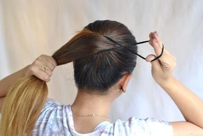 2. Tidak mengikat rambut terlalu kencang