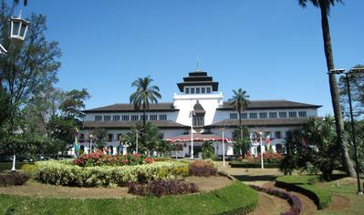 Destinasi Populer Wisata di Bandung (Bagian 2)