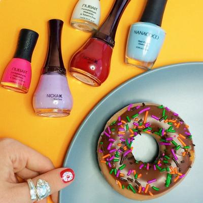 Inspirasi Doughnut Nail Art Manis Ramaikan National Doughnut Day di US (Part 2)