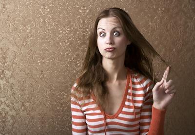 Menyibakkan atau Memelintir Rambut