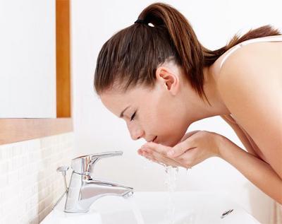 Kesalahan yang Sering Terjadi Saat Mencuci Wajah
