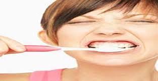 Menggosok Gigi Terlalu Keras