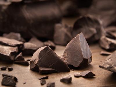 4. Cokelat Hitam