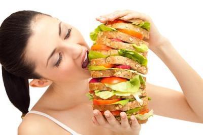 Tidak Makan Terlalu Banyak Saat Berbuka