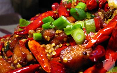 Hindari Makanan Asam dan Pedas