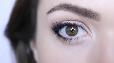 5 Langkah Mudah Membuat Tampilan Mata Terlihat Lebih Besar