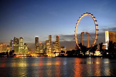 Menutup Malam di Singapura