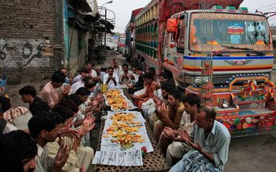 Buka Bersama di Lahore, Pakistan