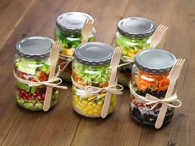 6 Kreasi Mason Jar Salad untuk Santap Siang