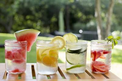 5 Buah dan Manfaatnya untuk Infused Water
