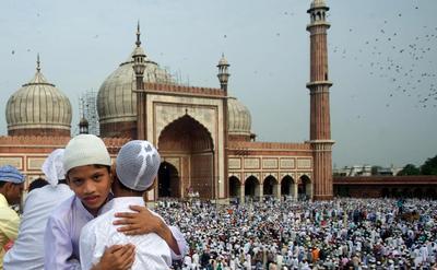 Berkumpul di Masjid New Delhi India