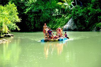 Akses Menuju Air Terjun Sri Gethuk