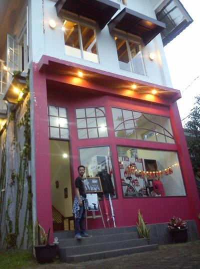 Little Wings Book Cafe