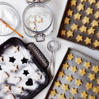 Sweet Treats: Kue Kering Klasik untuk Hari Raya