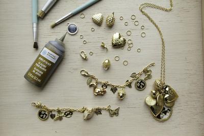 Daftar Bahan yang Dibutuhkan untuk Membuat Arm Candy Charm Bracelet