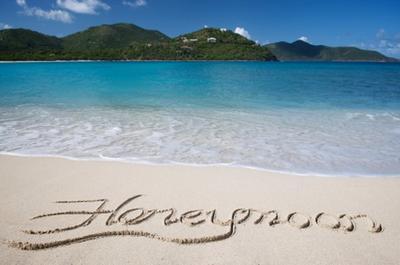 6 Destinasi Romantis di Indonesia untuk Honeymoon
