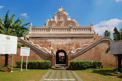 Menjelajahi Istana Air Taman Sari Yogyakarta yang Memesona