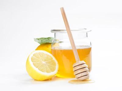 1. Masker Lemon dan Madu