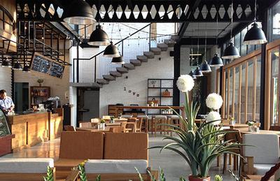 7 Kafe yang Harus Kamu Kunjungi di Bali
