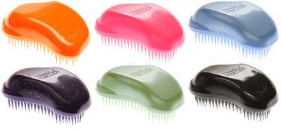 4. Sisir Dengan Hair Detangle Brush atau Jari