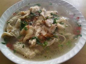 Mencicipi Lezatnya Kuliner Legendaris di Kedai Bakmi Babat Senen