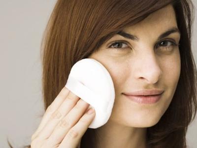 Memperbaiki Makeup dengan Cara Praktis