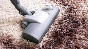 Membersihkan Karpet
