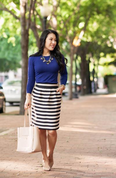4. Feminin Dengan Mini Skirt Pendek