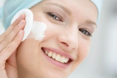 3. Perhatikan Produk Cleansing yang Kamu Gunakan